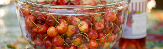 Chinook Rosé wine and rainier cherries